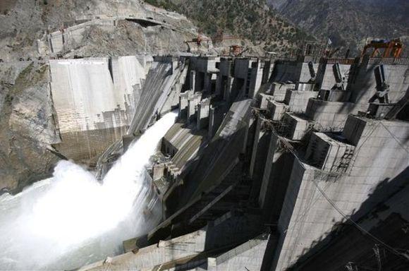 Uttarakhand disaster: Should govt ban dam construction?