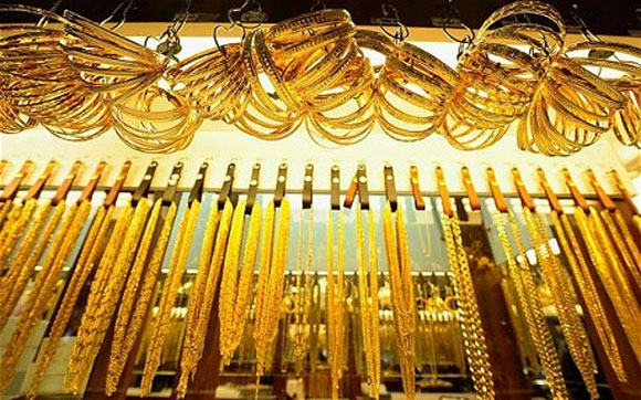 Gold zooms to 3-week high; up Rs 610 on strong global cues