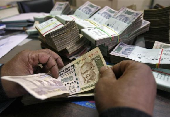 India looks to US in struggle to boost FDI, revive rupee