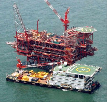 Govt plans to stop RIL from selling crude to Jamnagar
