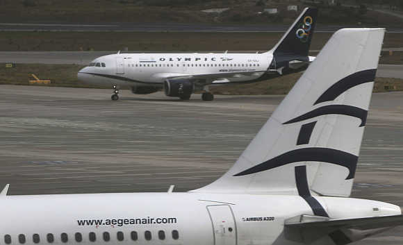 An Aegean Airlines Airbus A320 at the Eleftherios Venizelos airport in Athens, Greece.