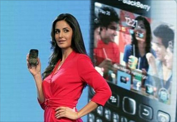 Bollywood actress Kartina Kaif with the Blackberry Curve 9220.