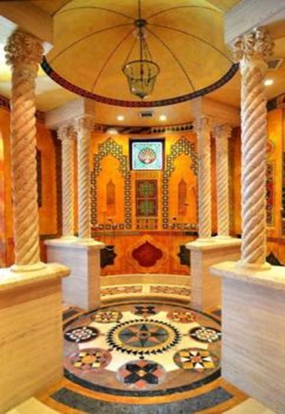 The interiors of the bathroom of the Moroccan Suite resembles a palace.