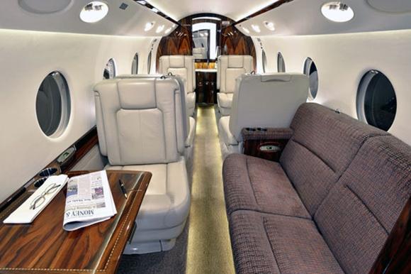Gulfstream G550 interior.