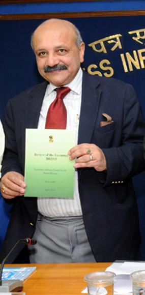 Saumitra Chaudhuri,Planning Commission member.