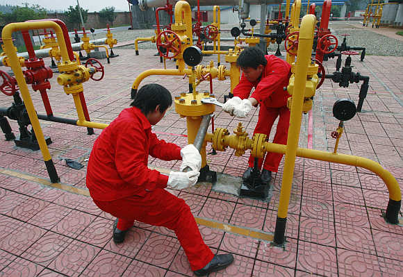 Labourers work at a PetroChina refinery in Suining, southwest China's Sichuan province. Photo is for representation purpose only.