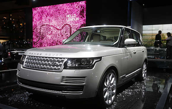 Range Rover in Paris.