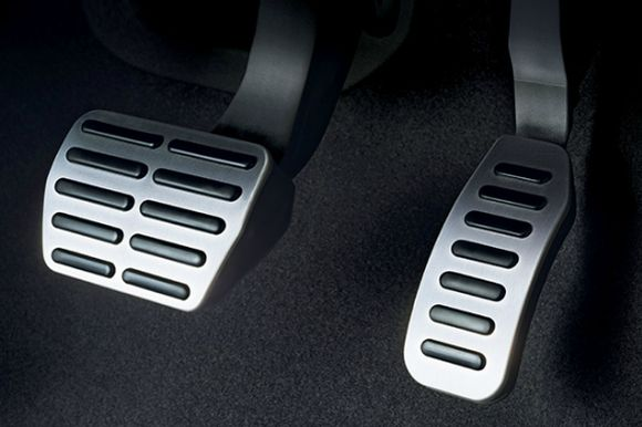 Volkswagen Polo GT TSI pedals.