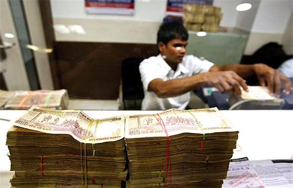 Rupee rebounds to 60.19 on lower current account gap