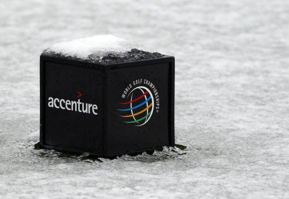 Accenture cuts full-year outlook as consulting slows further