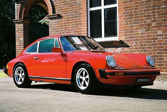 1976 Porsche 911.