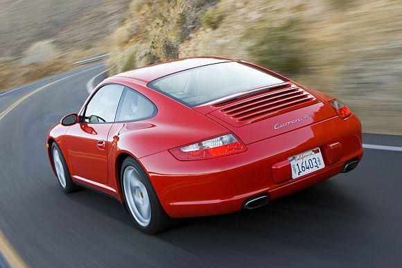 911 Carrera 4.