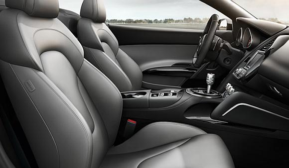 Interior of Audi R8 Sypder.
