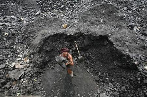 India's coal import boom has limited beneficiaries