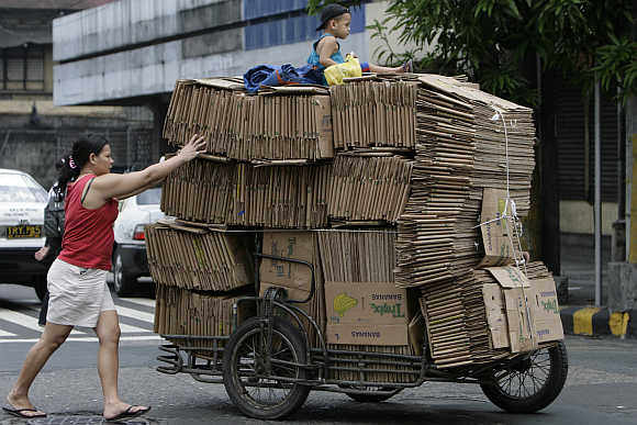 Amazing images reveal the overloaded world