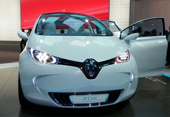 Renault shrugs off electric car setback