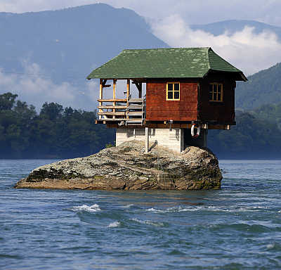 Let's take a look at some of the most unusual houses in the world.
