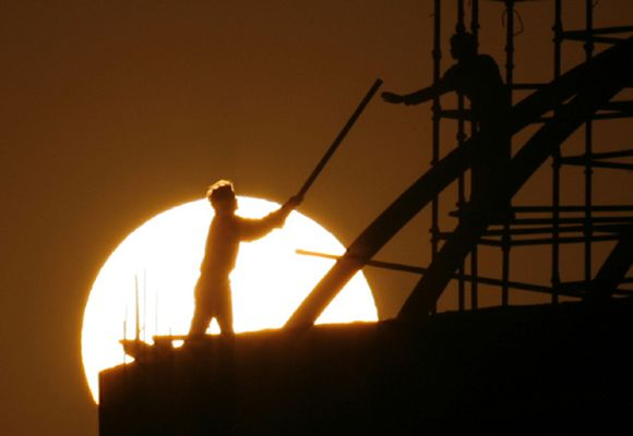 India makes feeble recovery; Jan-March GDP up 4.8%