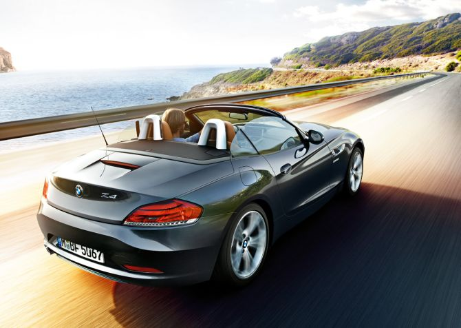BMW launches new version of Z4; costs Rs 68.9 lakh