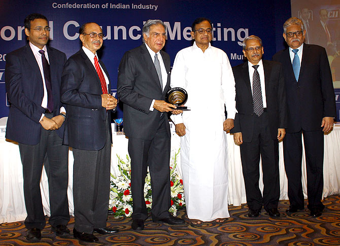 Ratan Tata (third from left) being felicitated by Finance Minister P Chidambaram.