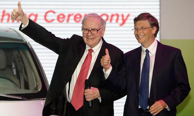 Warren Buffett (left) and Bill Gates.