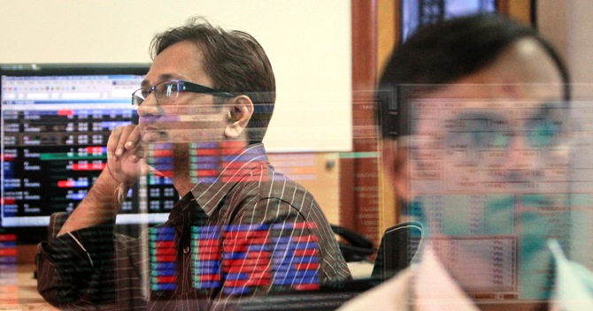 Stock market rally makes investors richer by over Rs 1 trillion