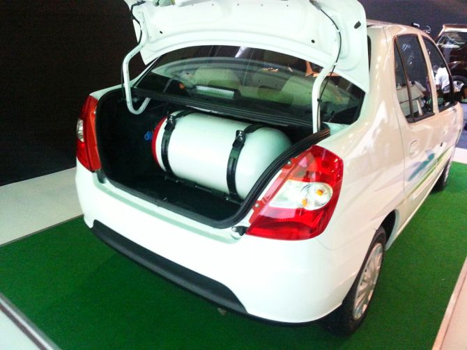 Tata Motors launches CNG variants of Indica, Indigo eCS