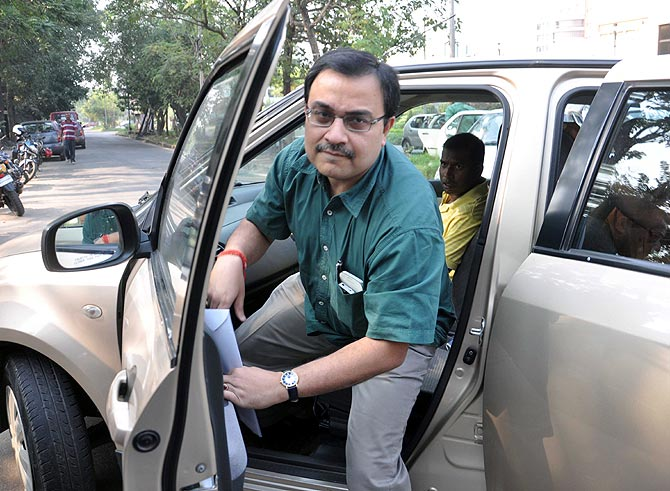 Kunal Ghosh arrives at the Bidhannagar South police station in Kolkata on Friday, November 22, 2013.