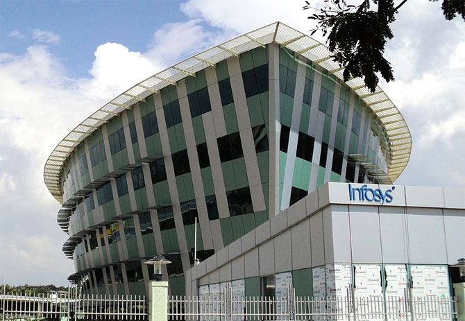Infosys expected to raise FY14 revenue estimate