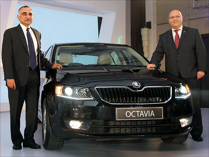 Sudhir Rao, Managing Director, Skoda India (L) and Paweł Szuflak, Director, Sales & Marketing at the launch.