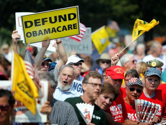 US govt remains shut down as debt default looms