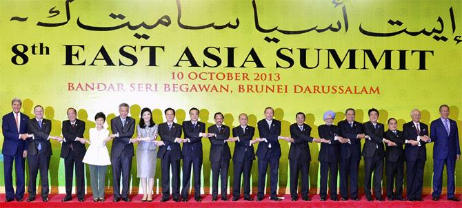 Leaders of the East Asia Summit nations at Bandar Seri Begawan.