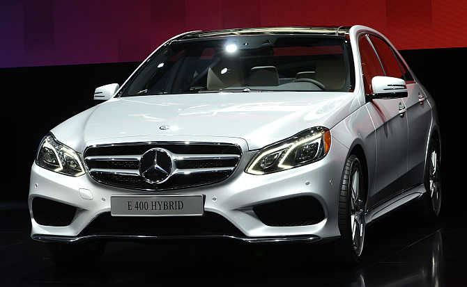 2014 Mercedes Benz E Class 400 hybrid on display in Detroit.