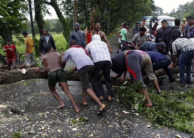 Odisha loses Rs 2,300 crore worth of crops to Phailin