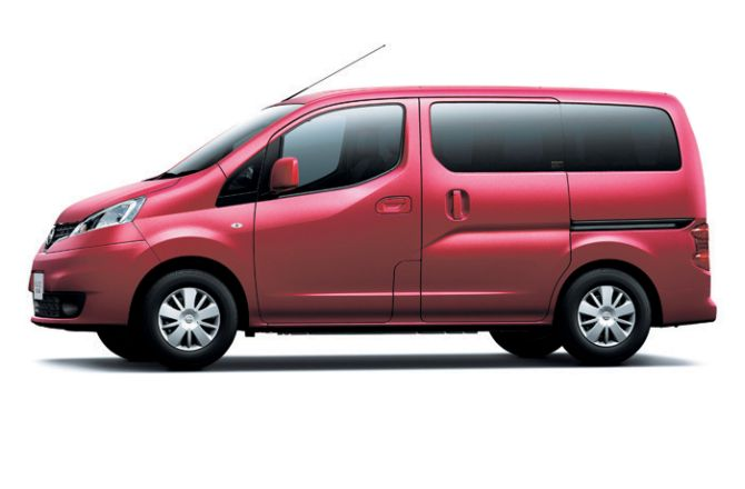 Nissan unveils refreshed Evalia; starts at Rs 8.78 lakh