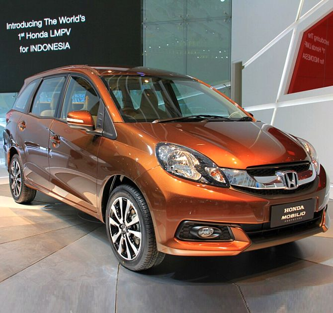 High Quality Honda Mobilio.
