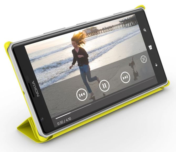 Nokia launches Lumia tablet, joins large-screen smartphone race