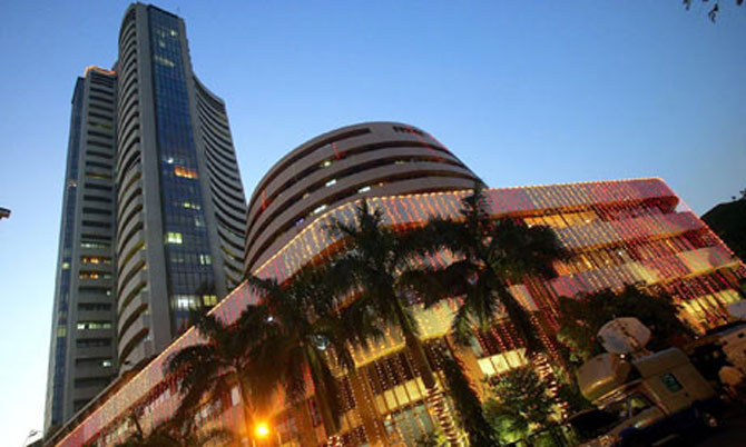 Sensex ends down 175 points; Nifty closes below 6,100