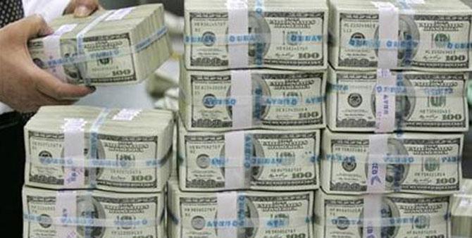 Fleeing multinationals mean India needs hot money