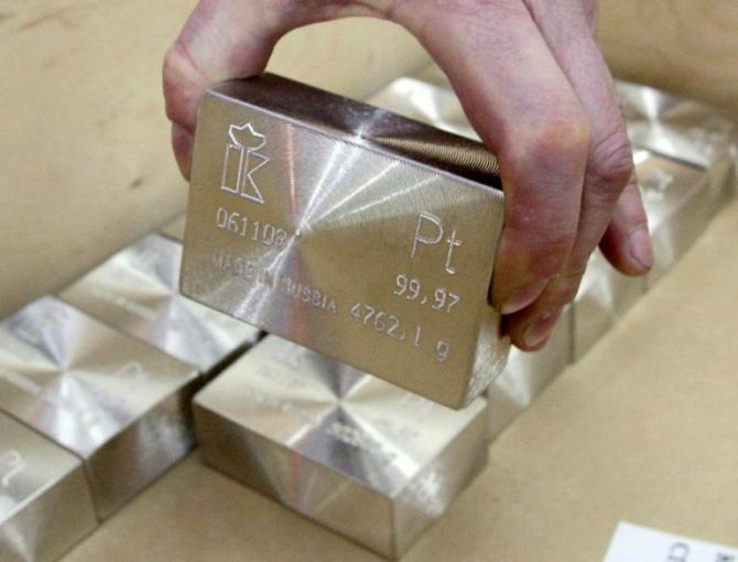 Why you should choose silver over gold this Diwali