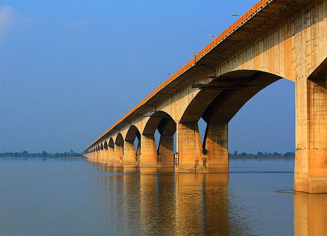Gandhi Setu Bridge in Patna.
