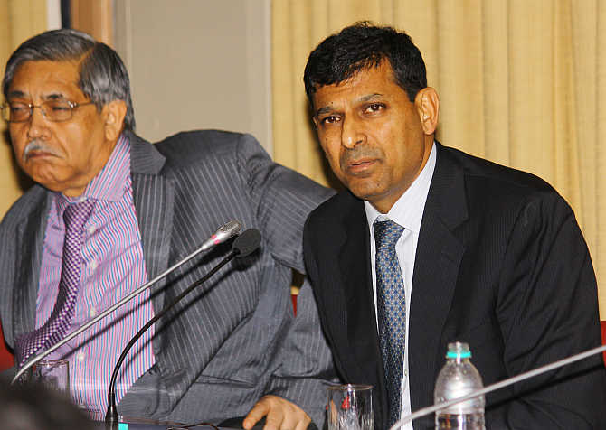 Rajan with Deputy Governor KC Chakrabarty.