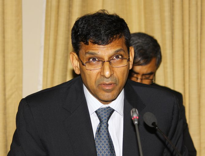 Inflation adds to headaches for Rajan's first meetin