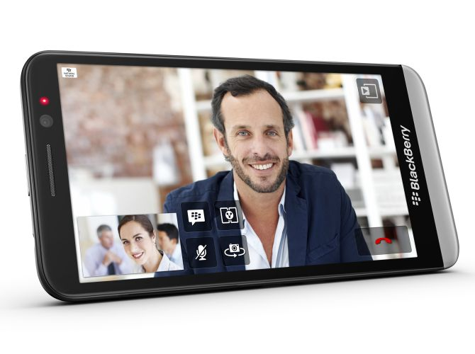 BlackBerry unveils the Z30 with 5-in display, updated OS