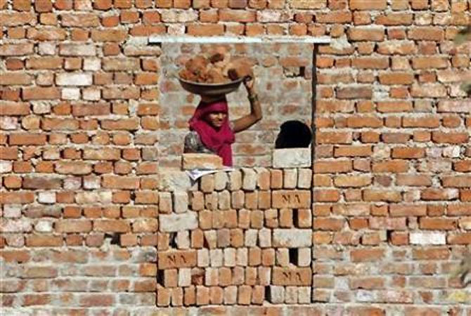 Top builders sitting on Rs 58,000-cr inventory