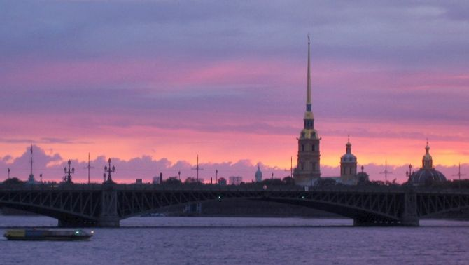 Sunset on the Neva river in St. Petersburg.