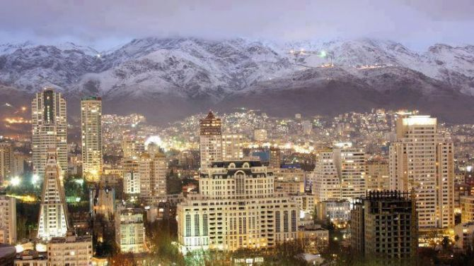 Tehran Towers and buildings in the northern part of Tehran with the Alborz mountains in the background.