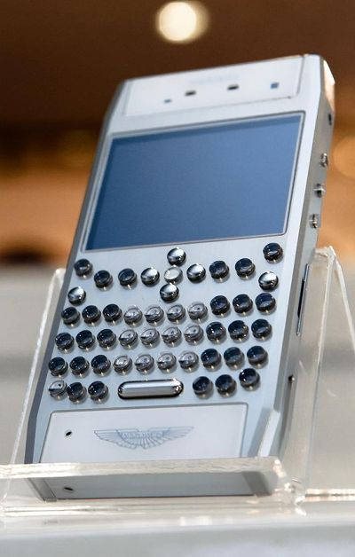 Mobiado Grand 350 Aston Martin phone.