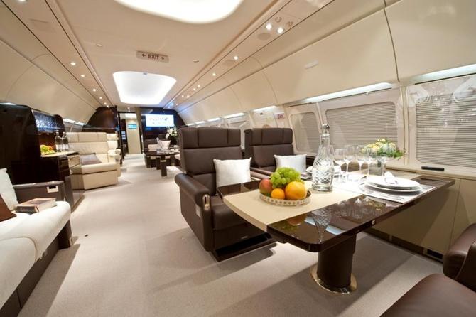 Airbus ACJ318 Main cabin