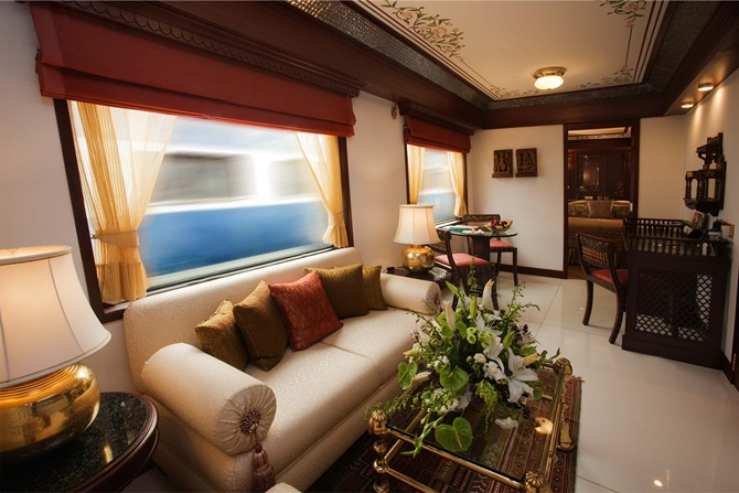 Maharajas Express has a capacity to carry 88 guests,  14 guest carriages are divided into 20 deluxe cabins, 18 junior suites, 4 suites and one presidential suite.